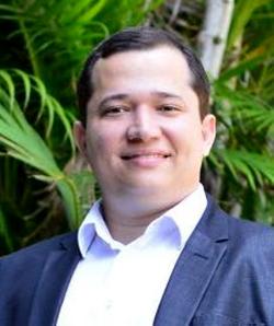 Dr. Paulo Santana